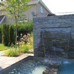 Cascada de zid cu piscina