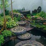 Gradina cu alei de mozaic