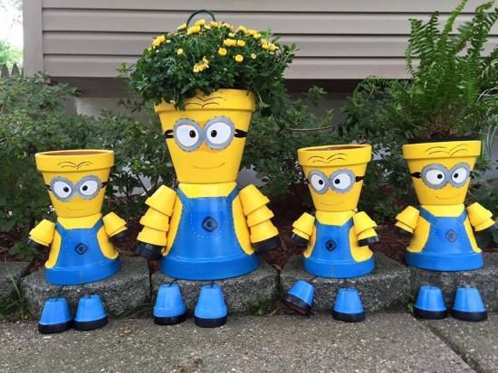 Personaje desene din vase de flori
