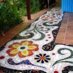 Terasa cu mozaic cu flori