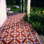 Terasa cu mozaic multicolor