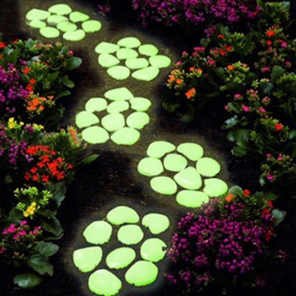 Alee cu pietre fosforescente verzi