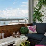 Balcon mic cu plante agatatoare