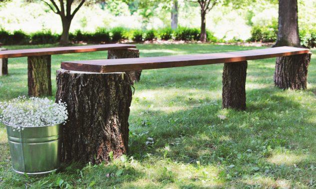Banca din trunchiuri de copaci