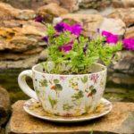 Cana de cafea colorata cu flori