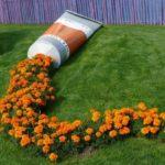 Decor in forma de tub cu flori
