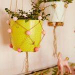 Decoratiune cu vase agatate de perete