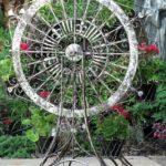 Decoratiune si suport de flori din fier