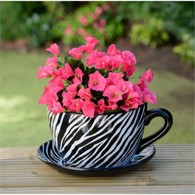 Flori roz in cana