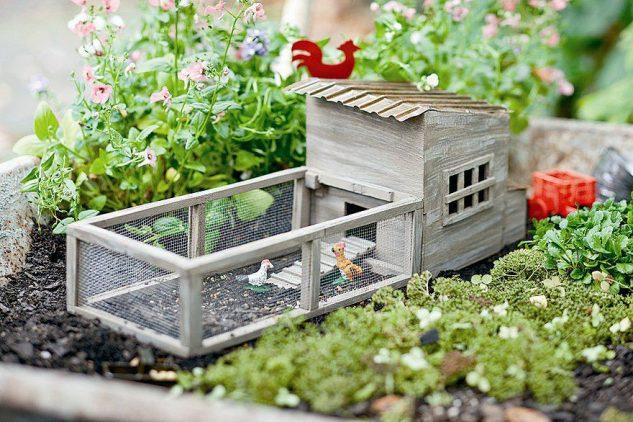 Gradina in miniatura cu cotet de pasari