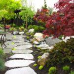 Gradina japoneza cu alee din piatra