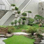 Gradina japoneza cu pod si arbusti