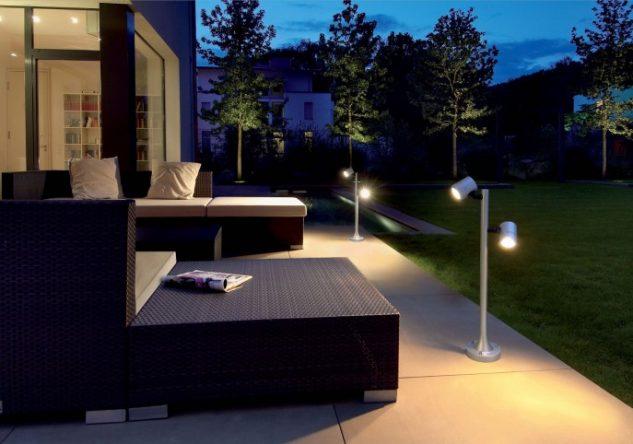 Lumini terasa si gradina