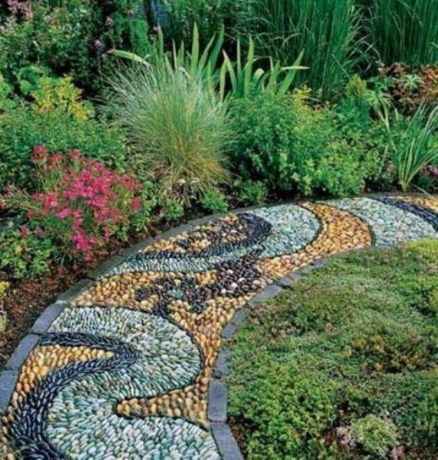 Mozaic multicolor pentru alei