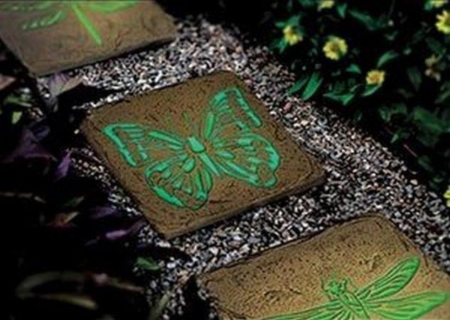 Pietre fosforescente cu desene
