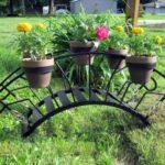 Suport de flori din fier in forma de pod