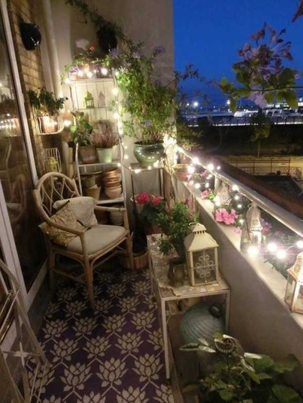 Balcon iluminat cu instalatii