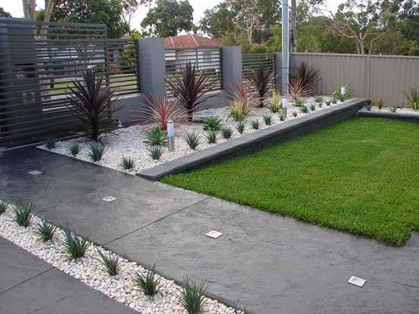 Decor modern gradina cu pietris alb
