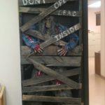 Decoratiune DYI Halloween din lemn refolosit