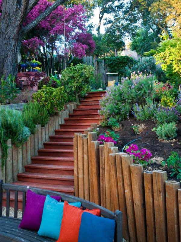 Gradina cu scari din lemn