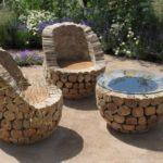 Masa si scaune din butuci de copaci