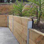 Zid de sprijin mare din lemn