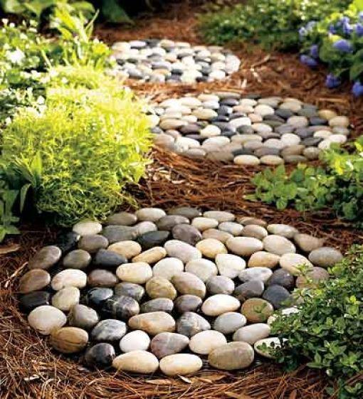 Alee cu cercuri din piatra