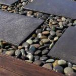 Alee moderna din lemn si piatra