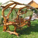 Balansoar rustic cu acoperis