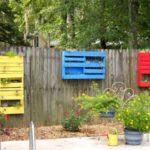Decor colorat gard gradina