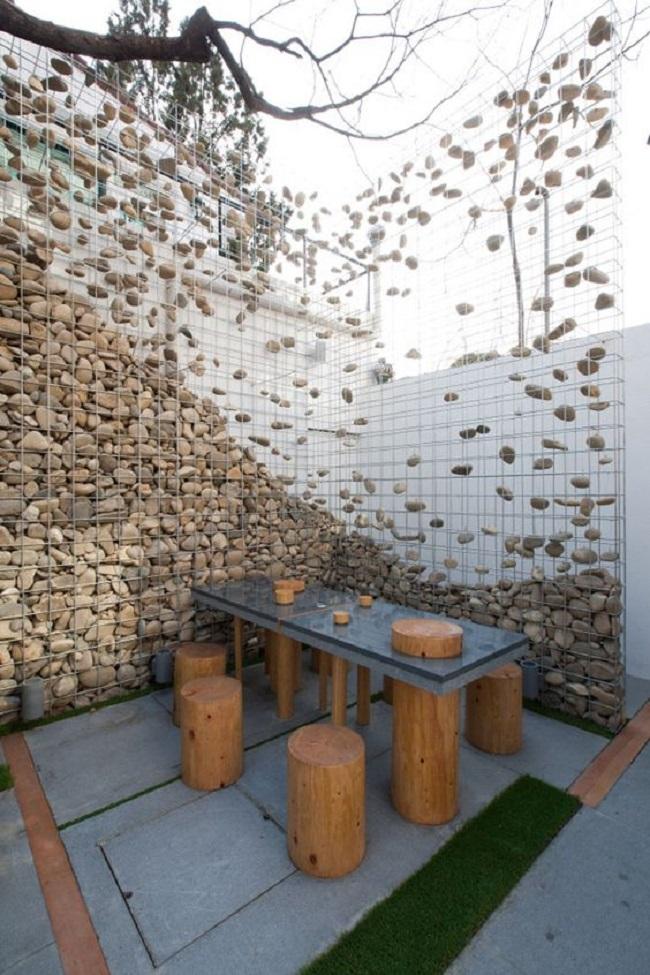 Decor terasa din gabioane