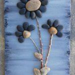 Flori albastre din pietre
