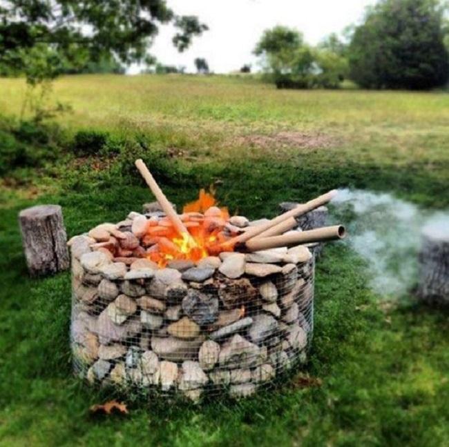 Foc de tabara din gabioane