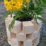 Jardiniera frumaosa din lemn