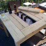 Masa cu suport pentru bauturi