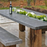 Masa din lemn si piatra