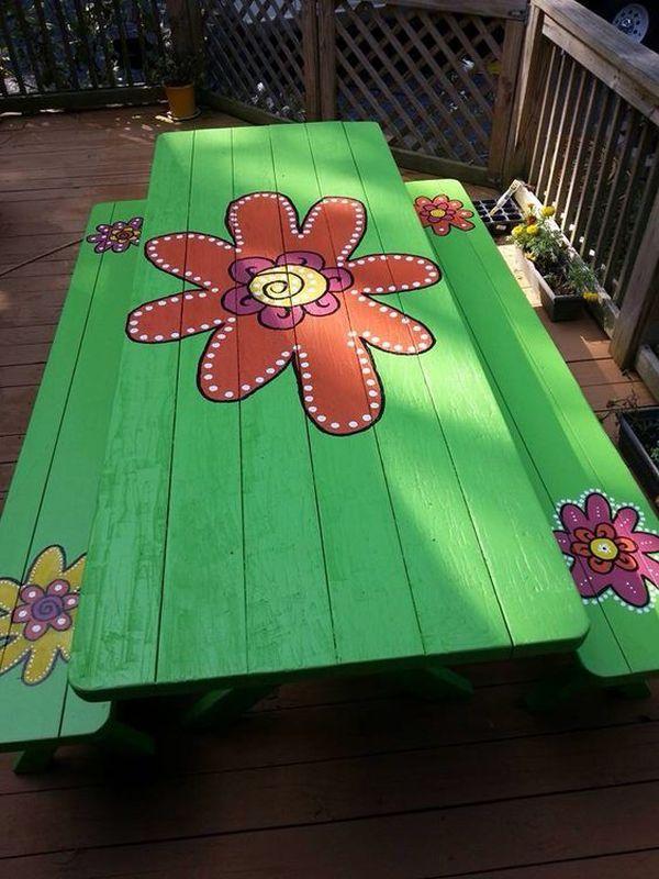 Masa verde cu flori