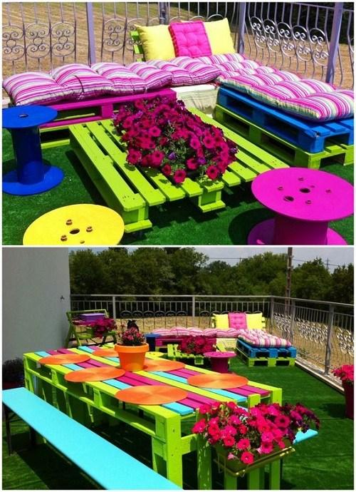 Mobilier colorat gradina din paleti din lemn