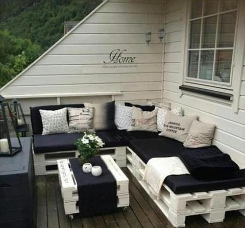 Mobilier terasa din paleti din lemn