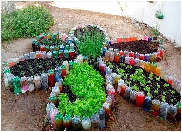 Straturi legume din sticle de plastic