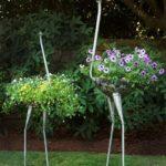 Suporturi de flori in forma de struti