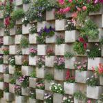 Zid decorat cu multe flori