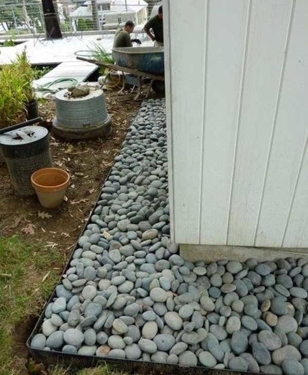 Amenajare exterioara cu pietre de rau
