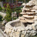 Cascada mare din pietre de rau