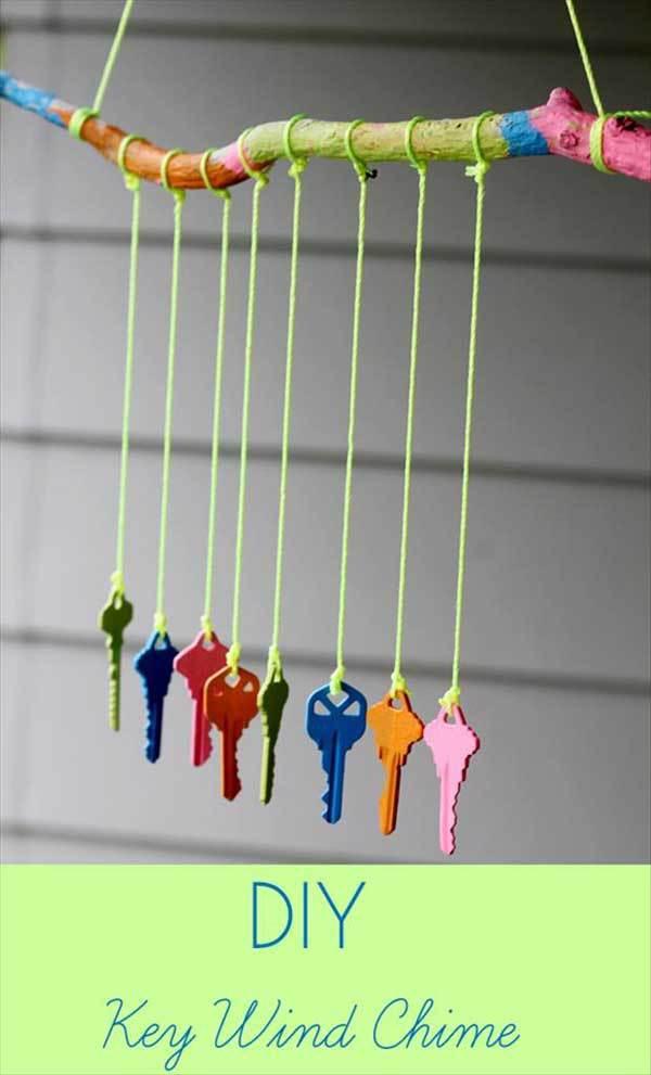 Decoratiune din chei colorate