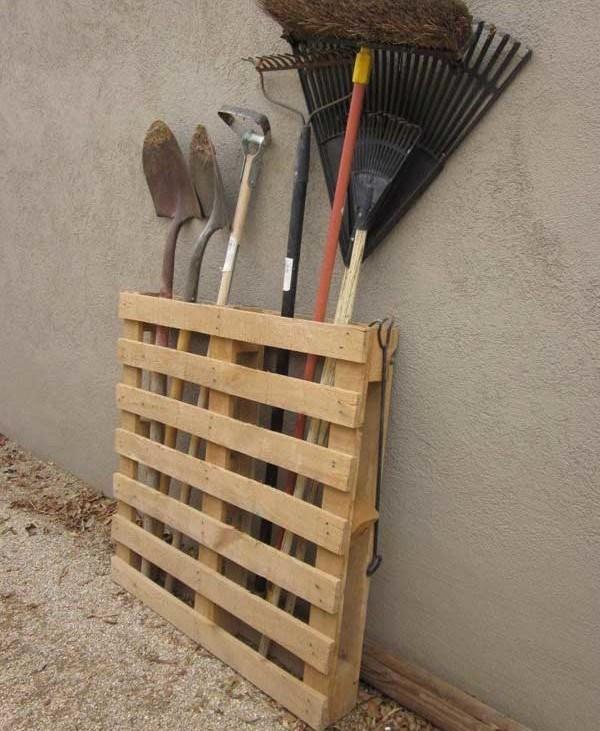Depozitare scule pentru gradina