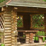 Foisor rustic din lemn