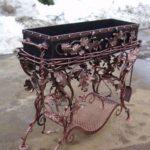 Gratar metalic cu decoratiuni
