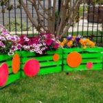 Jardiniera decorativa in forma de trenulet
