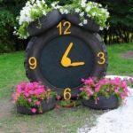 Jardiniere in forma de ceas din anvelope